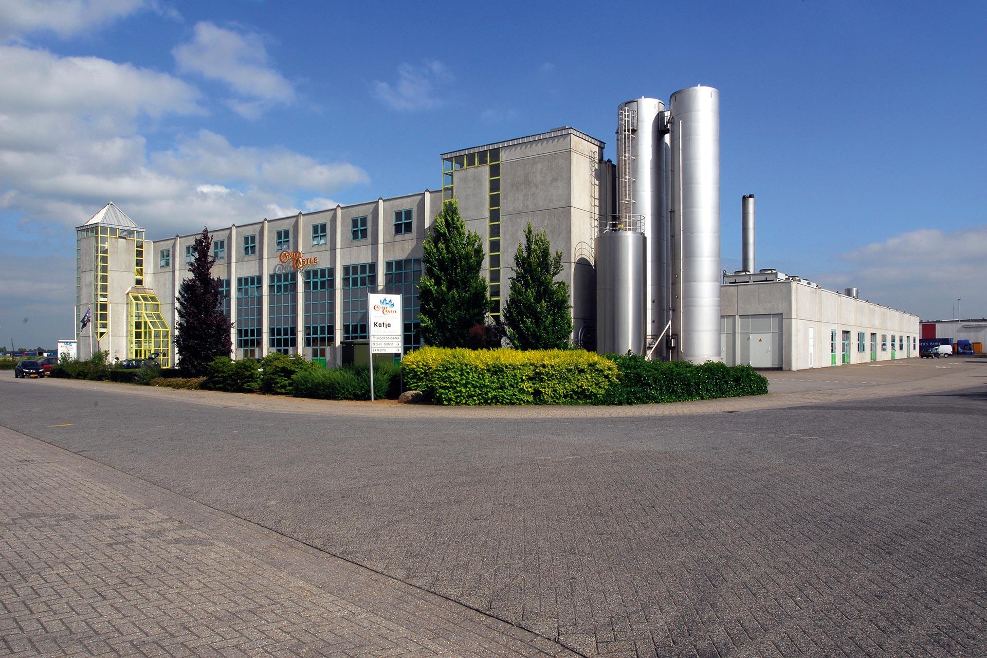1993 Nieuwe hypermoderne fabriek